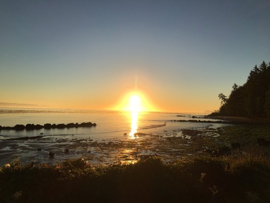 Sekiu, WA: Sunrise at low tide
