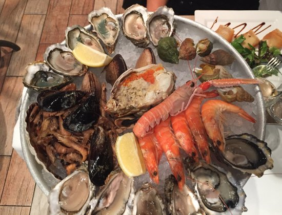 plateau de fruits de mer excellent photo de la criee ecully ecully tripadvisor. Black Bedroom Furniture Sets. Home Design Ideas
