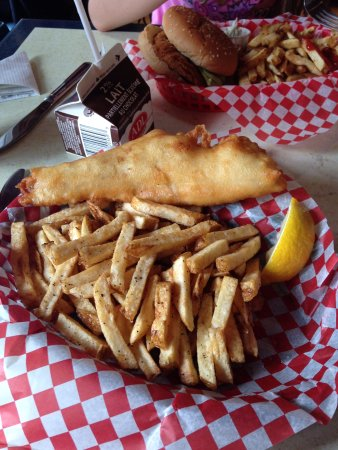 Saint Peters Bay, Canadá: The famous and very good fish and chips