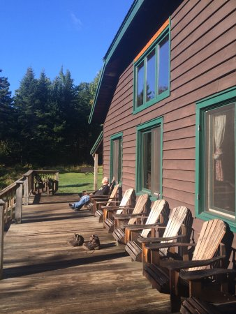 Johns Brook Lodge: Relaxing after a hike