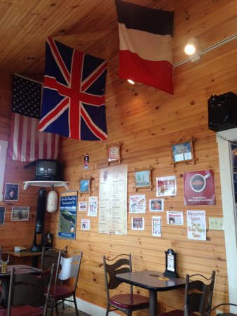 Elmira, Canada: Inside the restaurant