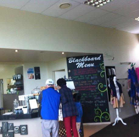 Te Awamutu, Νέα Ζηλανδία: Cafe counter