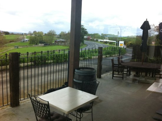 Te Awamutu, New Zealand: Views outside the cafe2