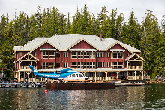 King Pacific Lodge: Convenient transportation via Helijet Helicopter