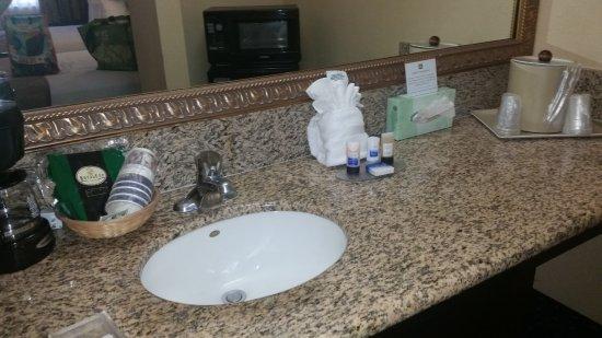 BEST WESTERN Desert Villa Inn: BW provided a generous supply of toiletries, etc.