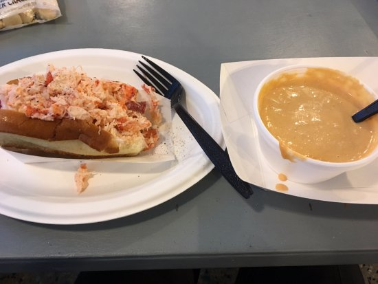The Beach Plum: Lobster roll and lobster bisque