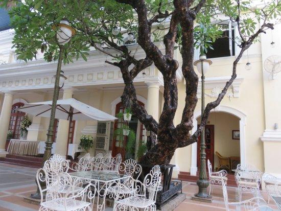Hotel Continental Saigon لوحة