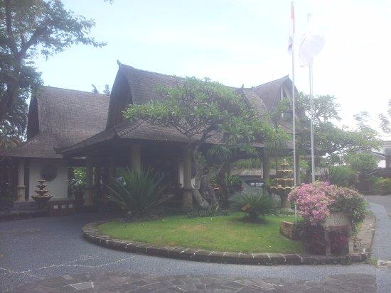 Hotel Vila Lumbung: Entrance to Lobby area