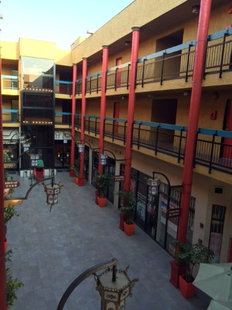 Exterior (hotel is on floors 2 and 3) Picture of Best