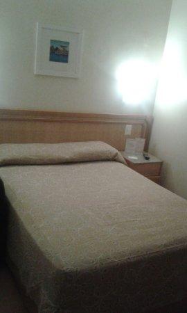 Hotel Regina: La cama es muy cómoda