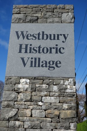 Westbury Gingerbread Cottages Resmi