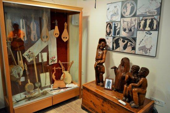 Krousonas, Hellas: греческие музыкальные инструменты