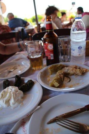 """Chorafakia, Grecia: Feuilles de vignes et """"Baggages"""""""