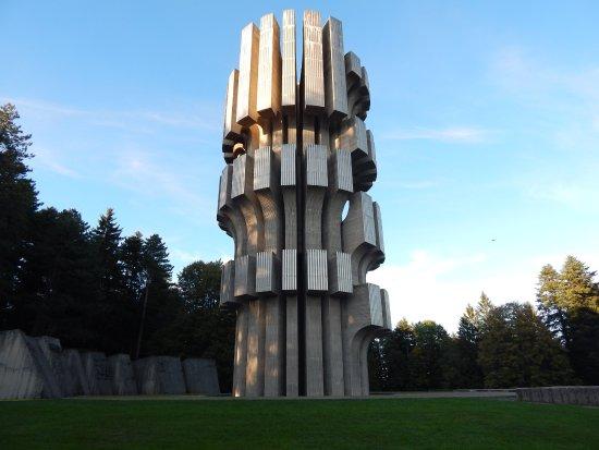 Kozara Monument Dušan Džamonja, Monu...