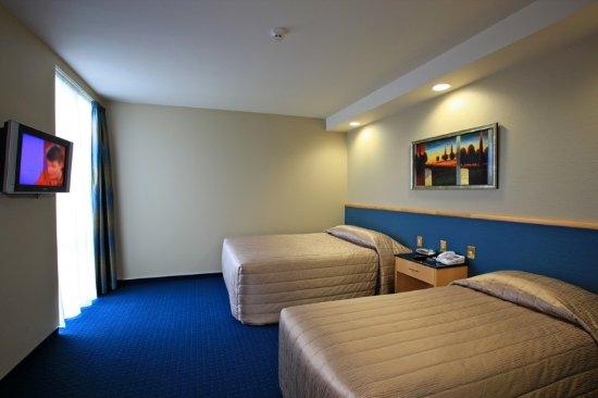 Distinction Luxmore Hotel: Deluxe 2 Bedroom Room