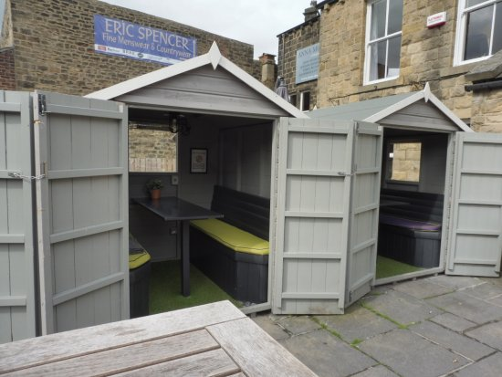 The 39 beer sheds 39 picture of black hat ilkley for Garden shed tripadvisor