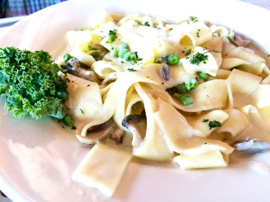 West Coxsackie, NY: Fresh Pappardelle with Peas & Mushrooms