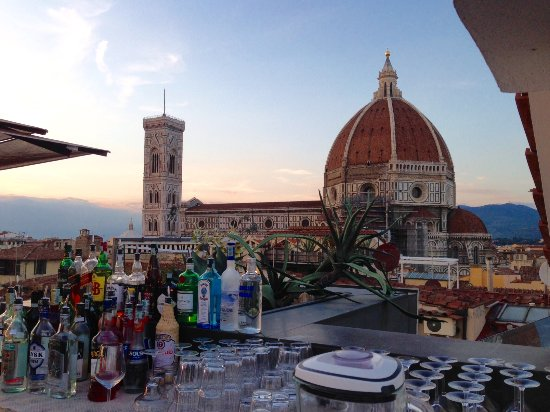 Vista dalla terrazza-bar al sesto piano: splendida!!!! - Foto di ...