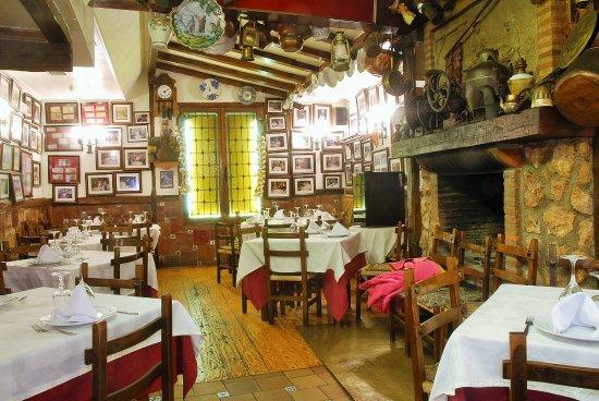 La Solana: Otra vista del comedor con elementos de la tradición castellana.