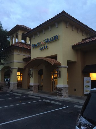 Peach Valley Cafe: Open at 7:00am every day!