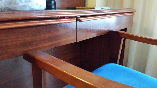 Hotel SB Corona Tortosa: silla y escritorio