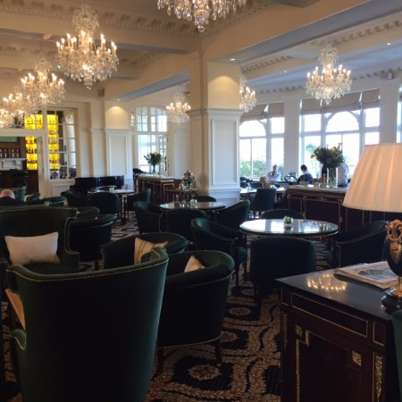 Turnberry, UK: Lounge refurbishment - Chandeliers and Tables
