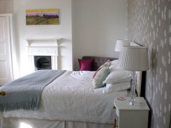 Ixworth, UK: room viewed from doorway