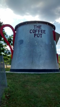 The Historic Lincoln Highway: The Coffee Pot along rt 30