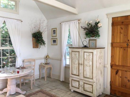 Landrum, SC: Beautiful Room