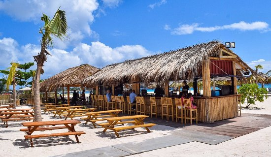 Paynes Bay, Barbados: great bar excellent drinks
