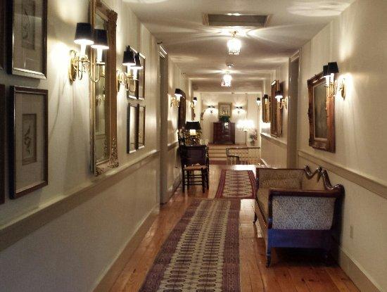 Skaneateles, NY: 3rd floor hallway