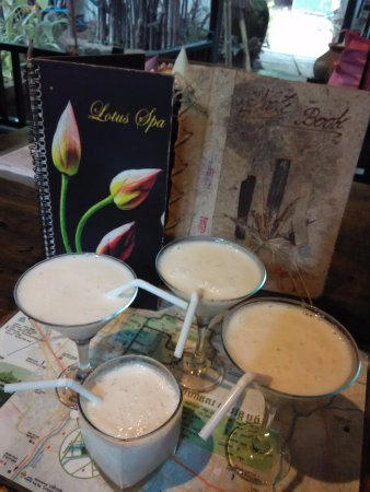 Petit Villa Boutique & Spa: 迎賓飲品, 雜果奶昔味道不錯,