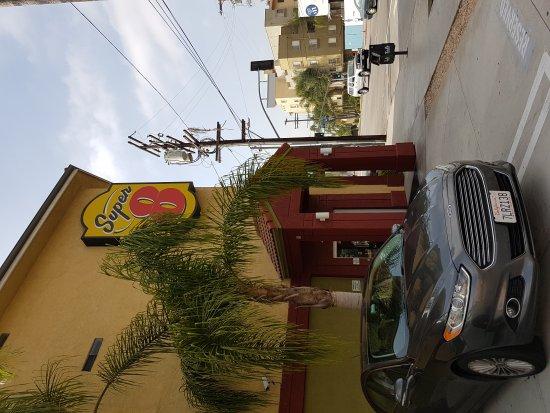 Super 8 Los Angeles Downtown: 20160810_092947_large.jpg