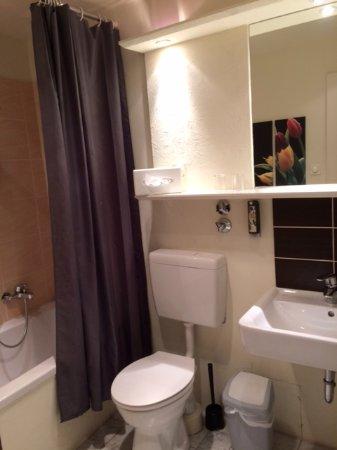 badezimmer - picture of hotel viva creativo, hannover - tripadvisor