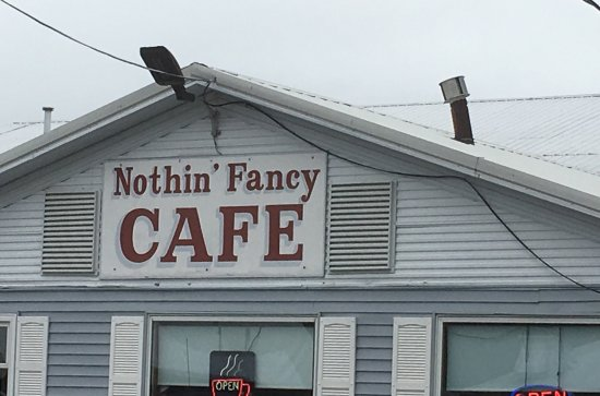 Nothin' Fancy Cafe: Non descript  gray building but wow