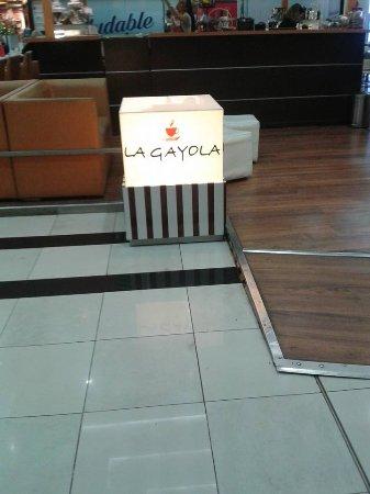 La Gayola: entrada da loja