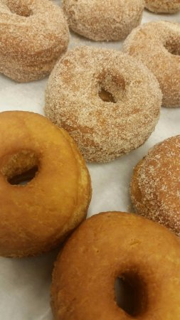 Port Saint Lucie, FL: Fresh Baked Donuts