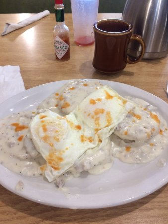 Remer, MN: Excellent biscuits and gravy!