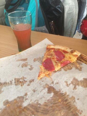Siciliana Pizzarestaurant : Не смогли осилить