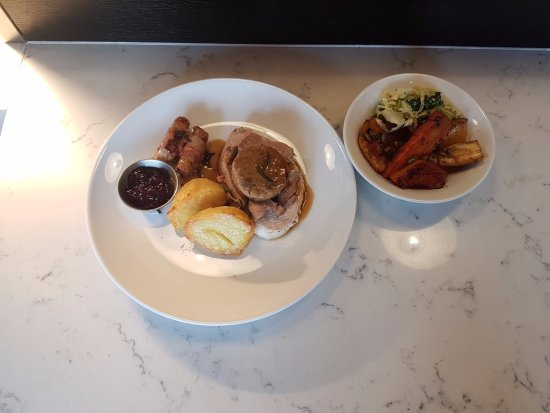 park kitchen free range norfolk turkey with stuffing and chipolatas festive menu