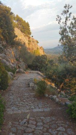 Puig de Pollenca: JUne vue depuis le chemin d'accès.