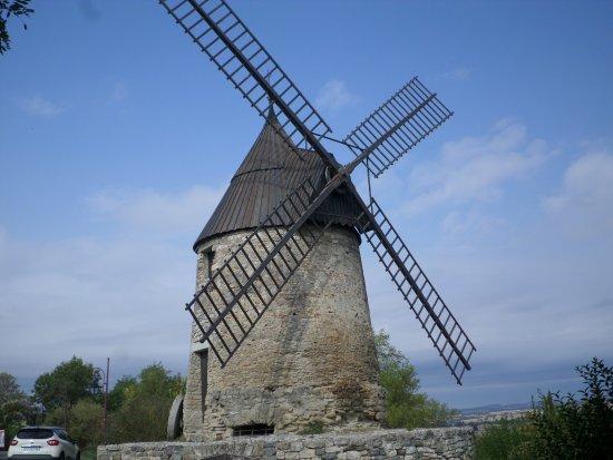 Castelnaudary Tourisme: le moulin