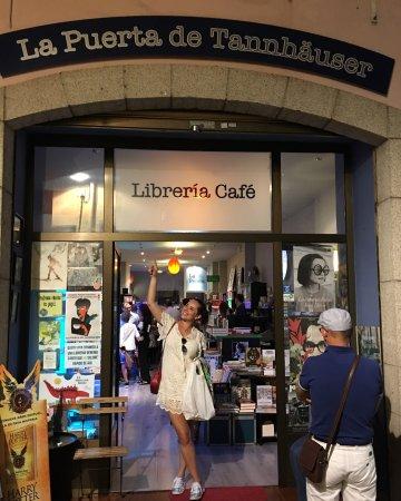 Librería La Puerta de Tannhäuser: photo0.jpg