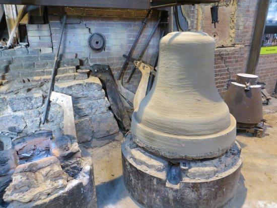 Villedieu-les-Poeles, Frankrike: Bell Moulding