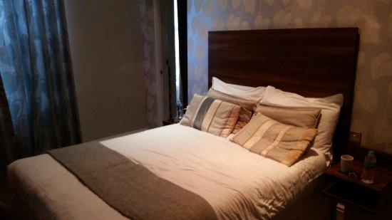 Oakbank House: Bedroom
