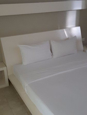 Kia Kaha Villa: Comfy big bed