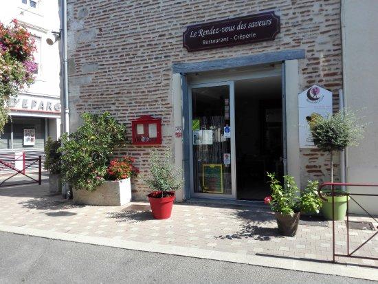 Sainte-Livrade-sur-Lot, Франция: l entree