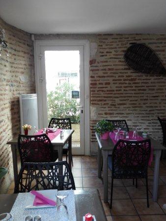 Sainte-Livrade-sur-Lot, France: vue dans la salle