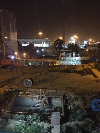 Airport Hotel: Noisy construction site in the evening. Even after 11 PM