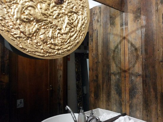toilette locale Picture of La Cucina del Petrarca Arqua Petrarca